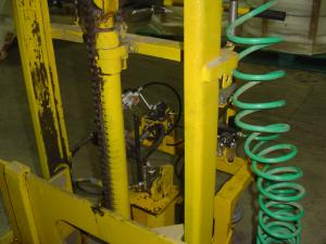 Pneomatic opperated lifter-10